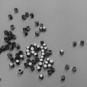 Gun Metal Cube Spacers 2.5mm
