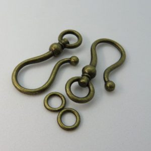 Hook and Ring Bronzetone 38mm